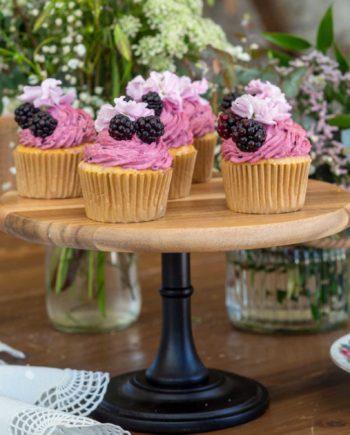 cupcake-frambuesa-y-mora-catering-la-petite-cuisine-salon-des-fleurs-3.jpg